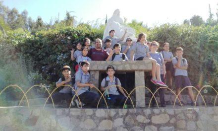 Niños de Escuela José Miguel Carrera conocen importante sitio turístico local