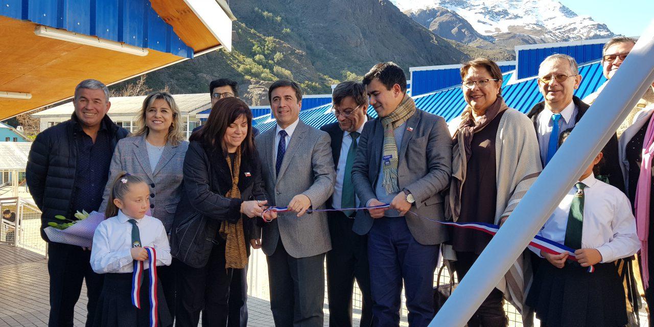 Con visita de SEREMI de Educación Escuela Río Blanco inaugura oficialmente sus nuevas instalaciones
