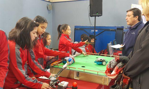 Expo Enlaces reúne a las escuelas municipales en torno a la ciencia y tecnología