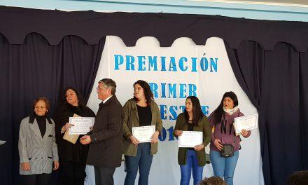 Escuela Gabriela Mistral reconoce a sus alumnos destacados