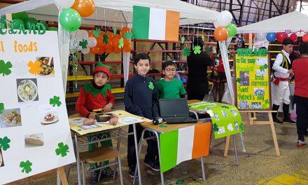 Escuela España celebra feria de inglés