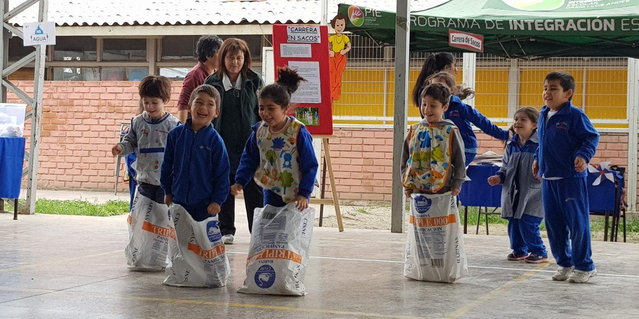 Escuela José Miguel Carrera realiza su 3era exposición de juegos típicos