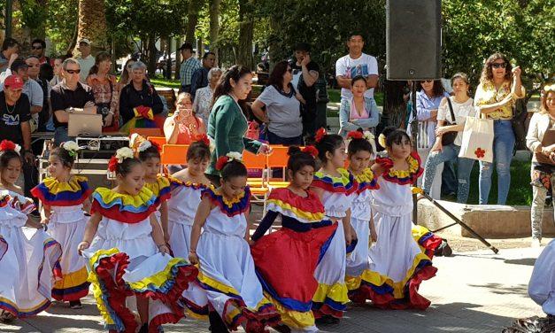 Niños de pre básica se llevan los aplausos en gala artística