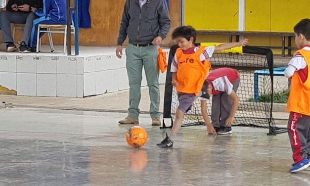 Alumnos de pre básica dejan todo en la cancha en segundo torneo de fútbol calle en Escuela Ignacio Carrera Pinto