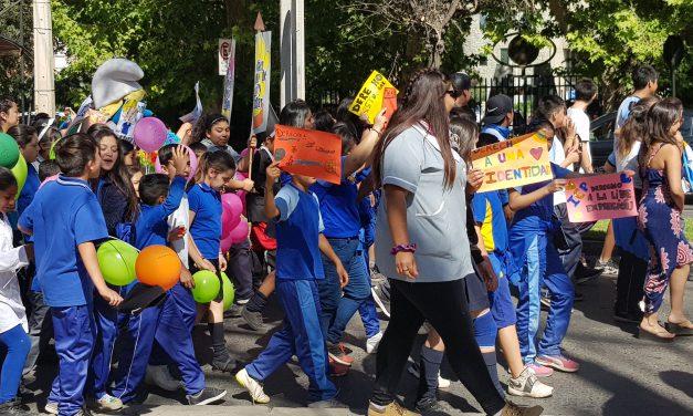 Comunidad escolar conmemora convención de derechos de la infancia