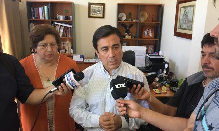 """Alcalde Manuel Rivera: """"velamos por el bienestar de niños y jóvenes de nuestra comuna y el mejoramiento de la calidad de la educación"""""""