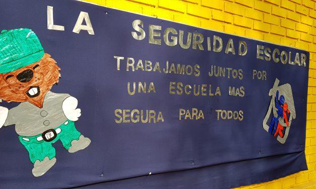 Organismos de prevención y emergencia comparten con alumnos del sistema municipal en 3ª Feria Comunal de Seguridad Escolar