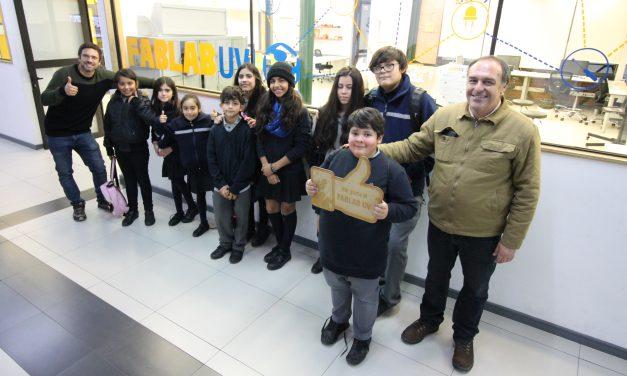 Alumnos de Escuela Río Blanco realizan pasantía en la Facultad de Ingeniería de Universidad de Valparaíso