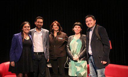 Docente de Escuela El Sauce realiza exposición científica en Santiago