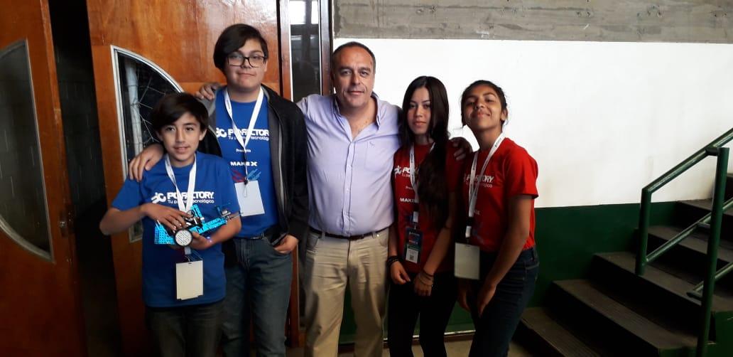 Destacada participación lograron estudiantes de Escuela Río Blanco en concurso de robótica