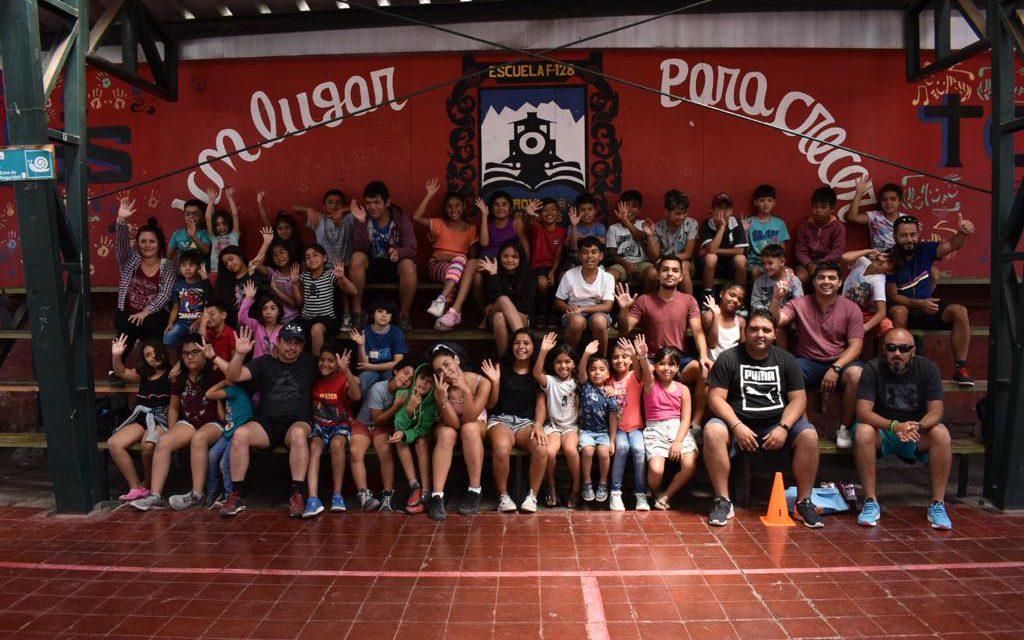 Vacaciones entretenidas en el Centro de Atención para Niños con Cuidadores Principales Temporeros
