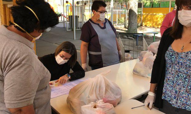 Junaeb comenzó distribución de canastas de alimentación a estudiantes de Los Andes