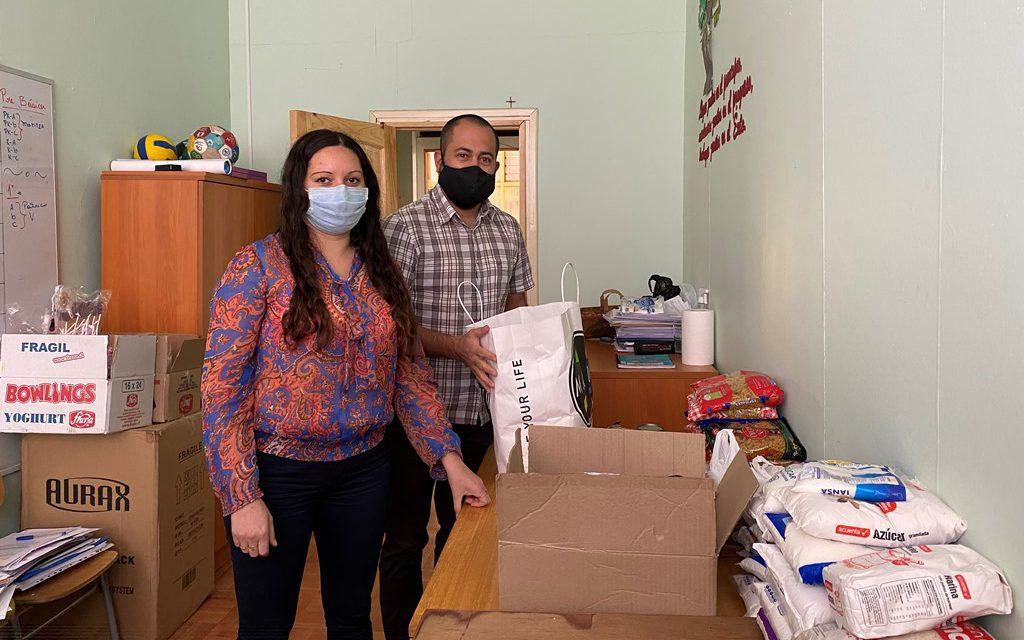 Escuela España moviliza a la comunidad en campaña de recolección de alimentos