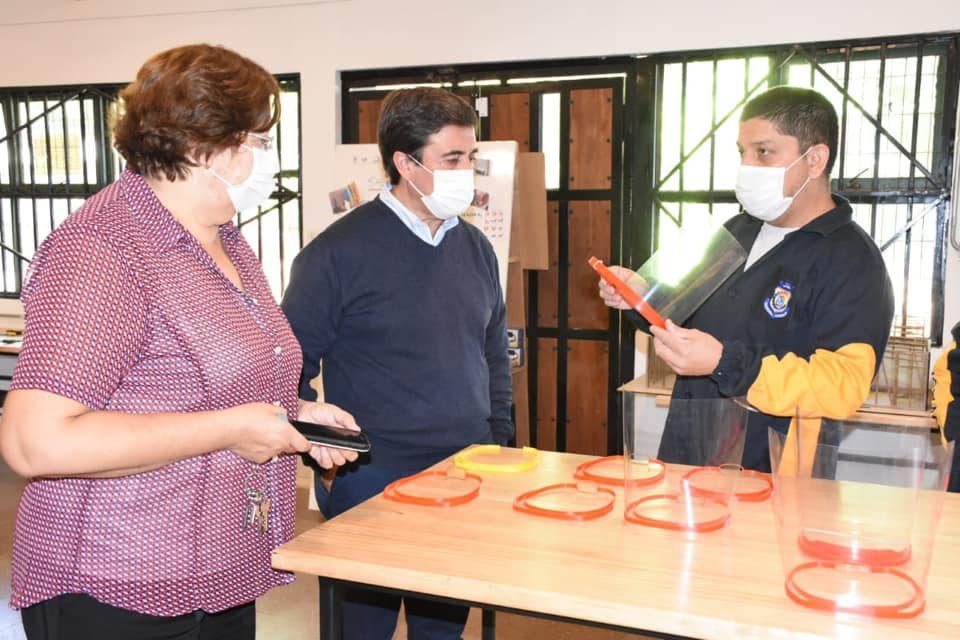 Los Andes se suma a campaña de fabricación de escudos faciales