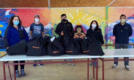 Alumnos de Liceo República Argentina reciben donación de alimentos de Empresa Bailac