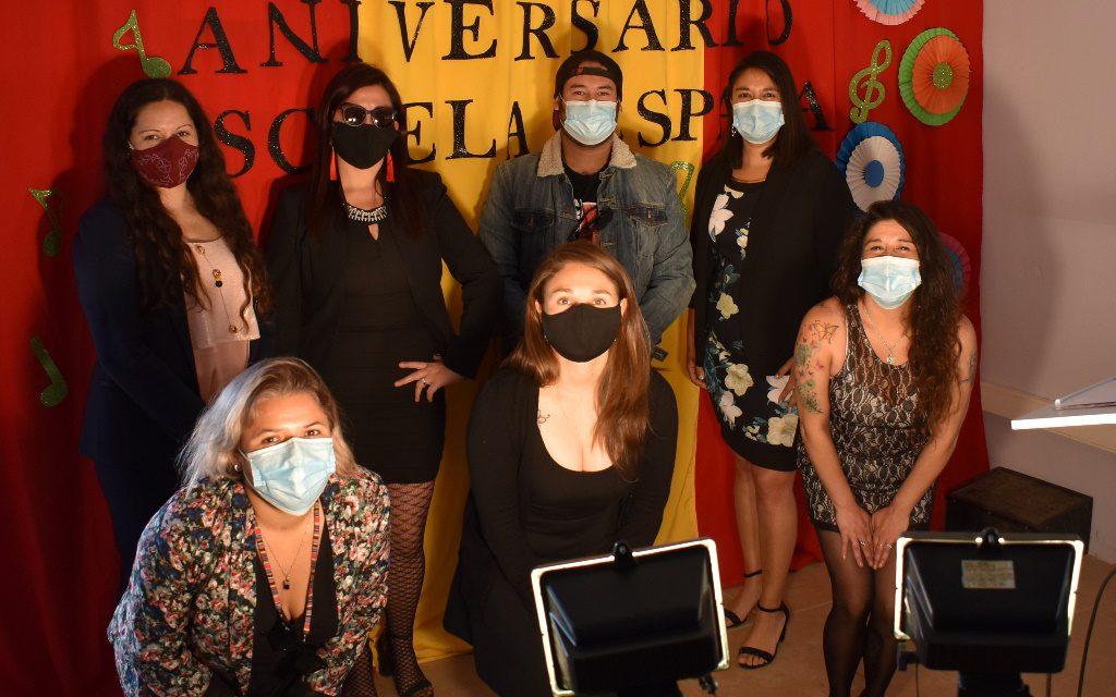 Escuela España celebró su 135 aniversario con impecable ceremonia transmitida online