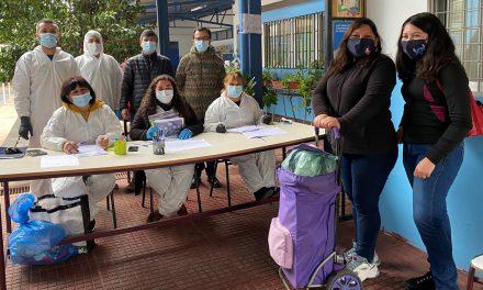 Familias de Escuela John Kennedy reciben apoyo en alimentación por parte de docentes