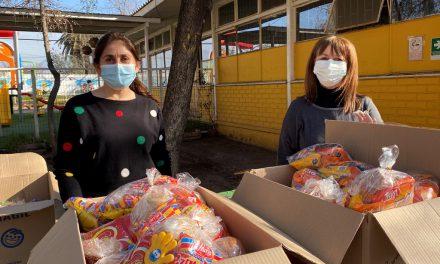Establecimientos municipales de Los Andes entregaron presentes a alumnos en Día del Niño
