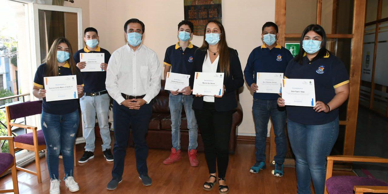 Estudiantes de Liceo América reciben reconocimiento tras ganar el primer lugar de Talento Digital Los Creadores 2020