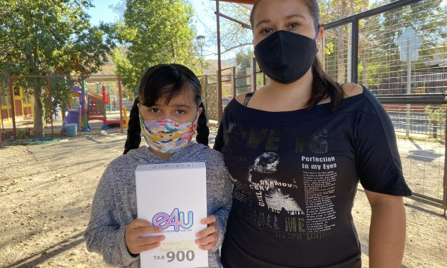 Educación Municipal de Los Andes continúa entrega de tablets para las clases online